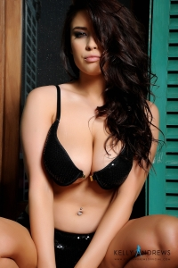 Kelly Andrews in black bra and panties previews-04